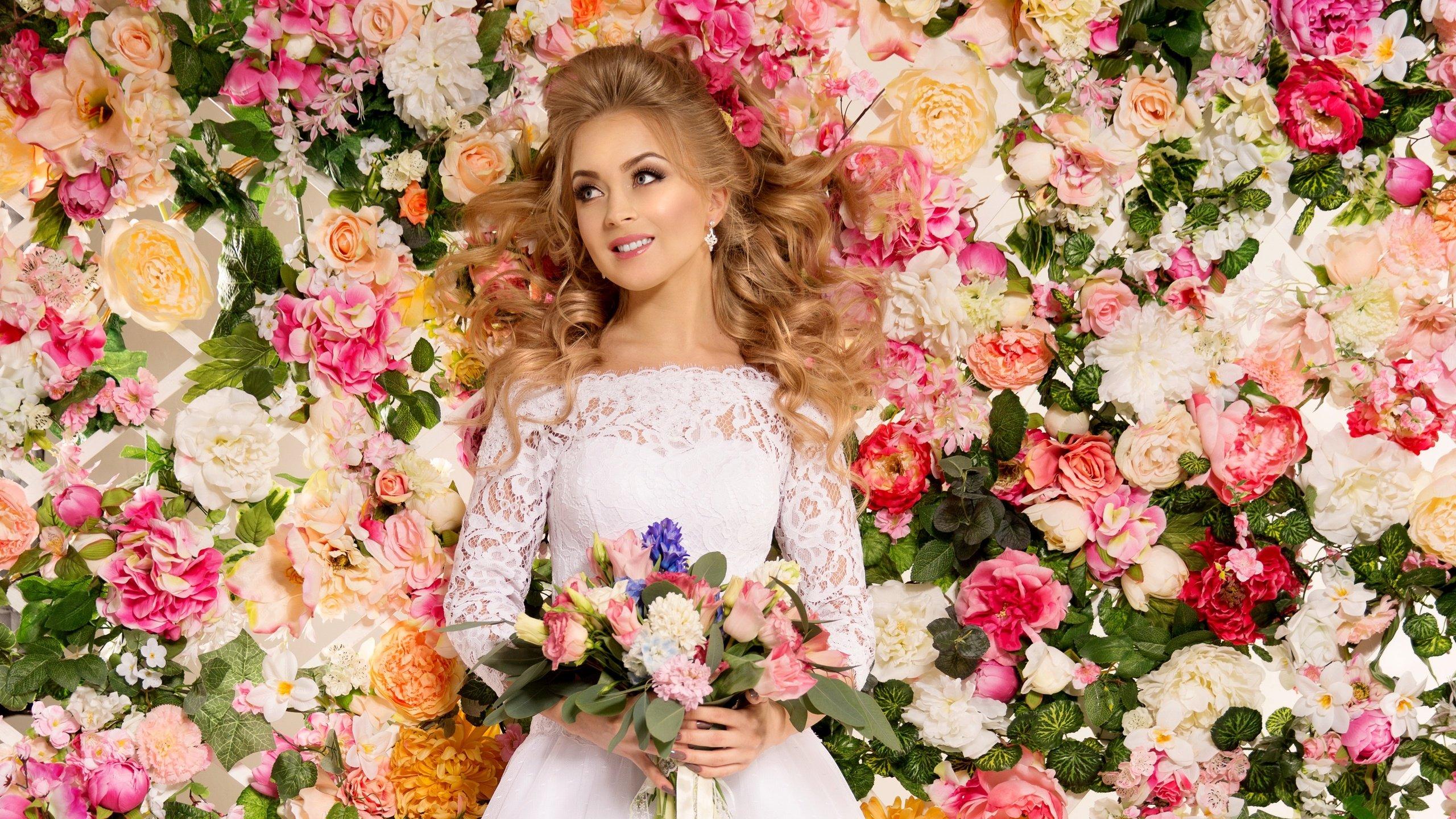 Невеста-Весна: как выбрать выбрать наряд для весенней свадьбы