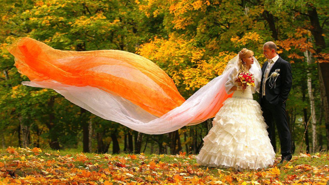 Невеста-Осень: как выбрать наряд для осенней свадьбы